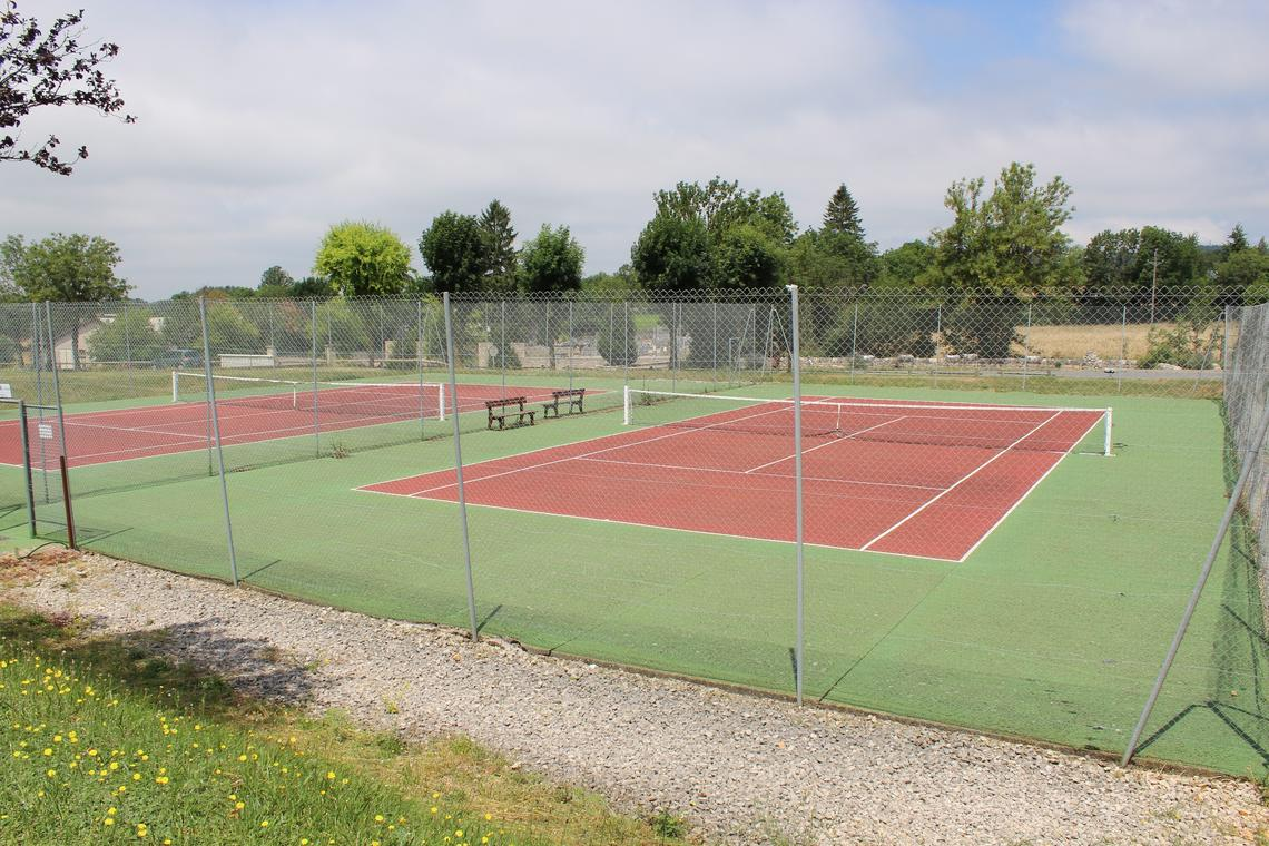 terrain de tennis le massegros