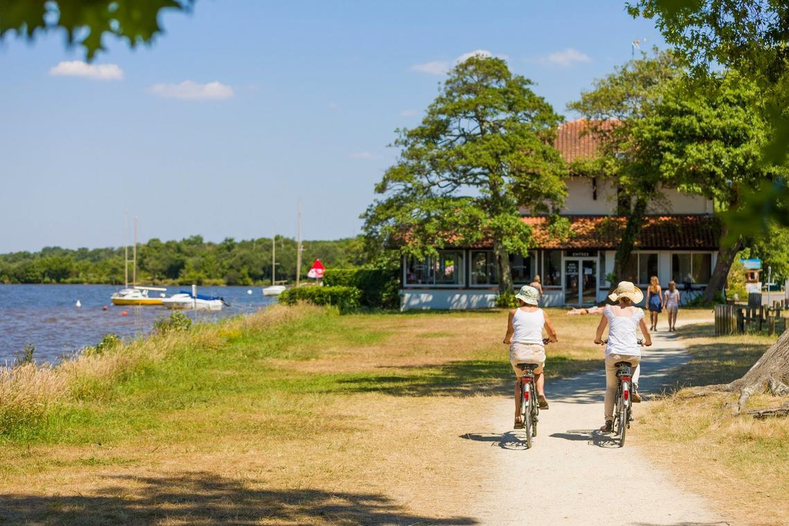 LEON_Piste cyclable Lac de Léon