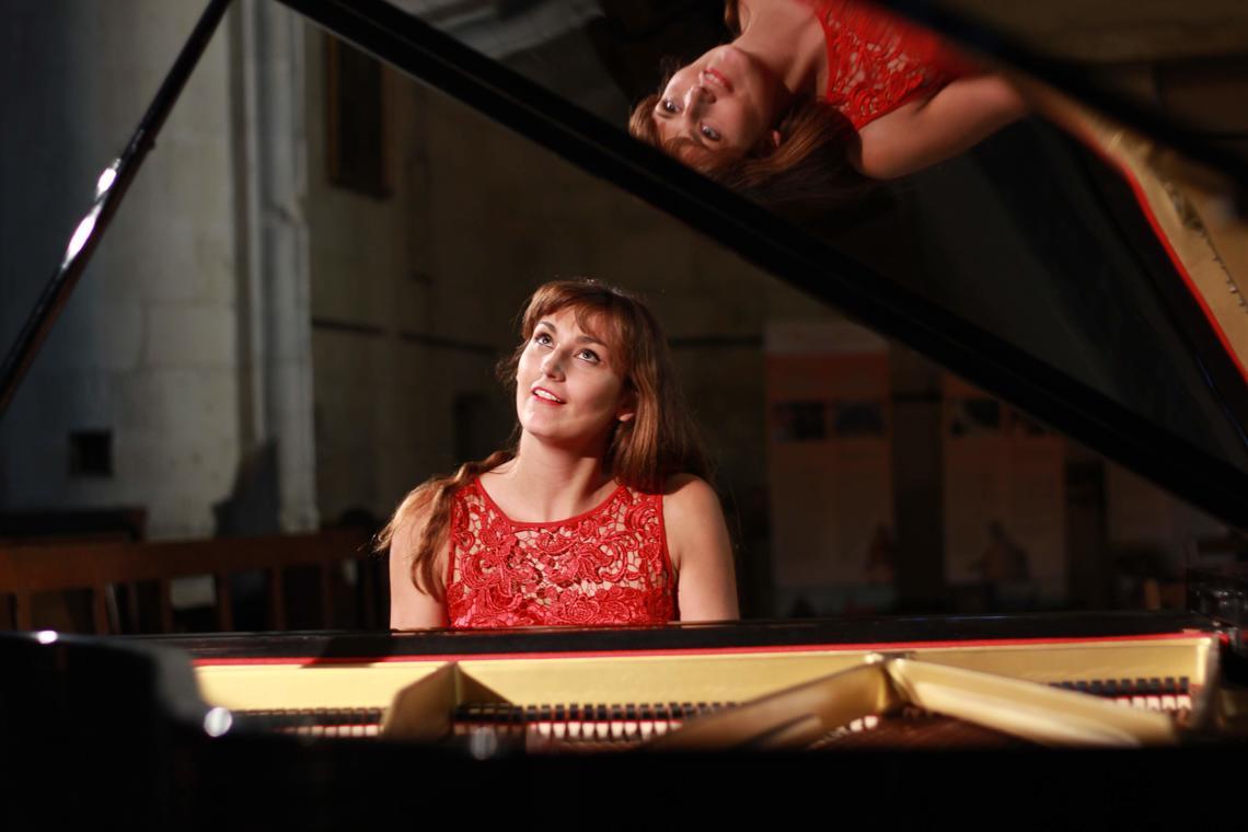 STJU---concert-piano-contis