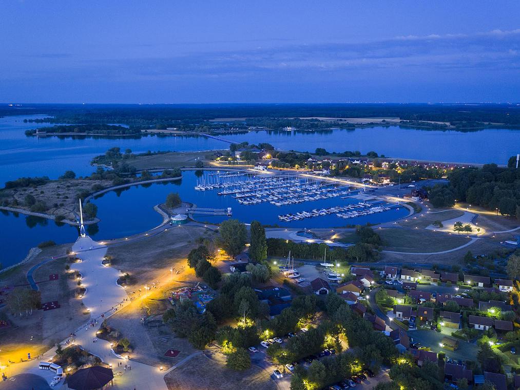 Lac du Der-Port de nuit-2018-Pascal Bourguignon Collection Lac du Der