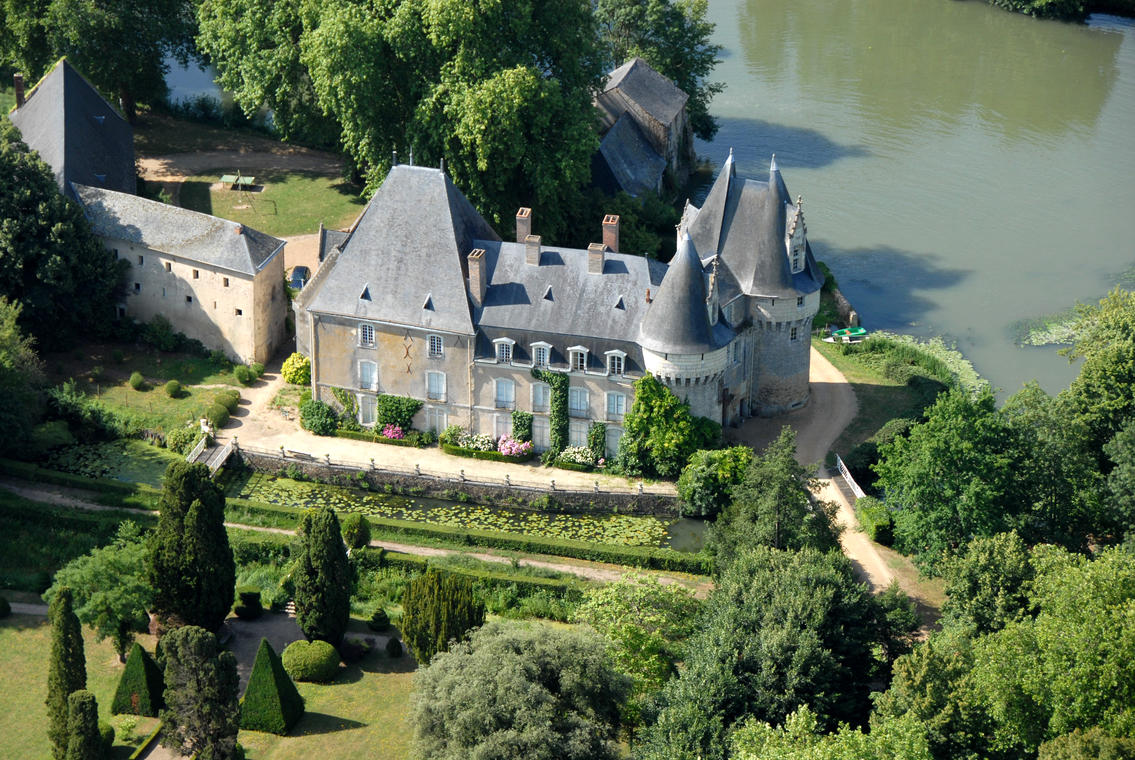 Château Bazouges©G  Durand