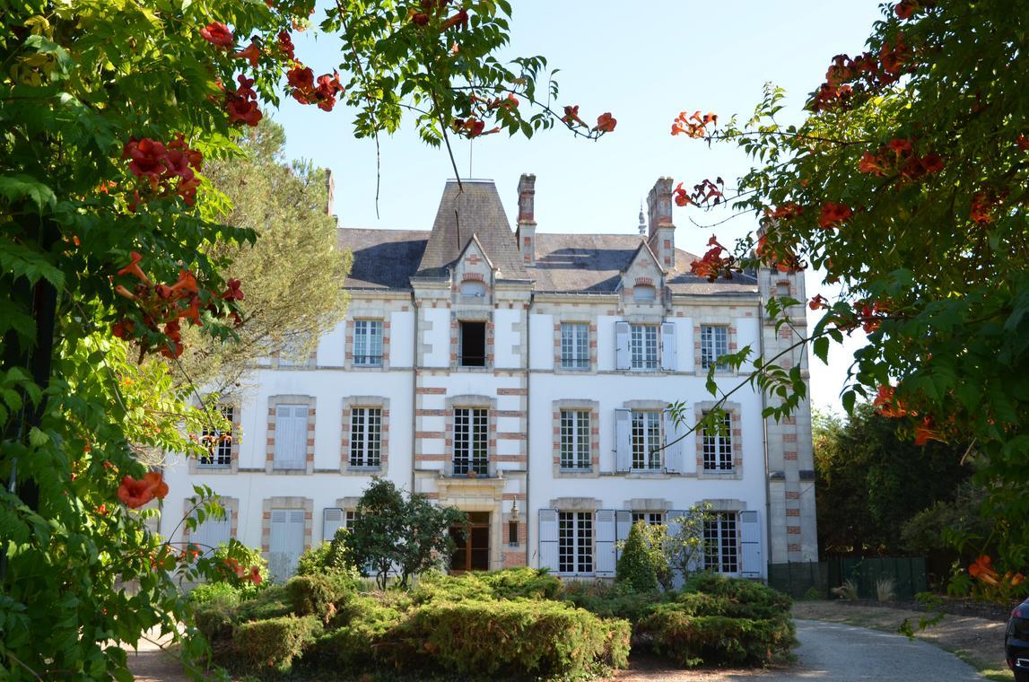 Chateau des bretonnieres commequiers