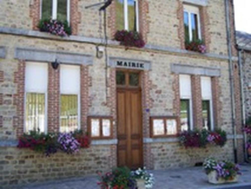 "MONTIGNY-SUR-MEUSE, village fleuri ""3 fleurs"""