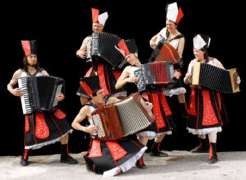 """Festival des Voix, des Lieux... des Mondes - concert """"Goran Brégovic"""" et """"ça va valser"""""""