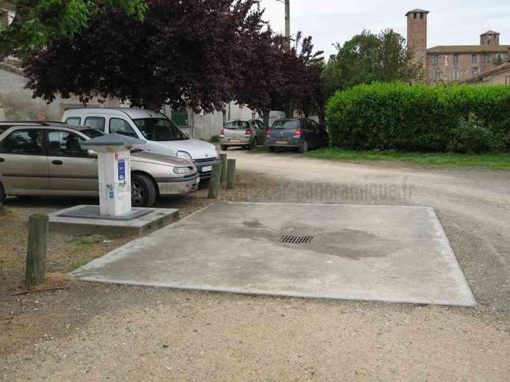 Aire de stationnement camping-car à Saint-Nicolas-de-la-Grave