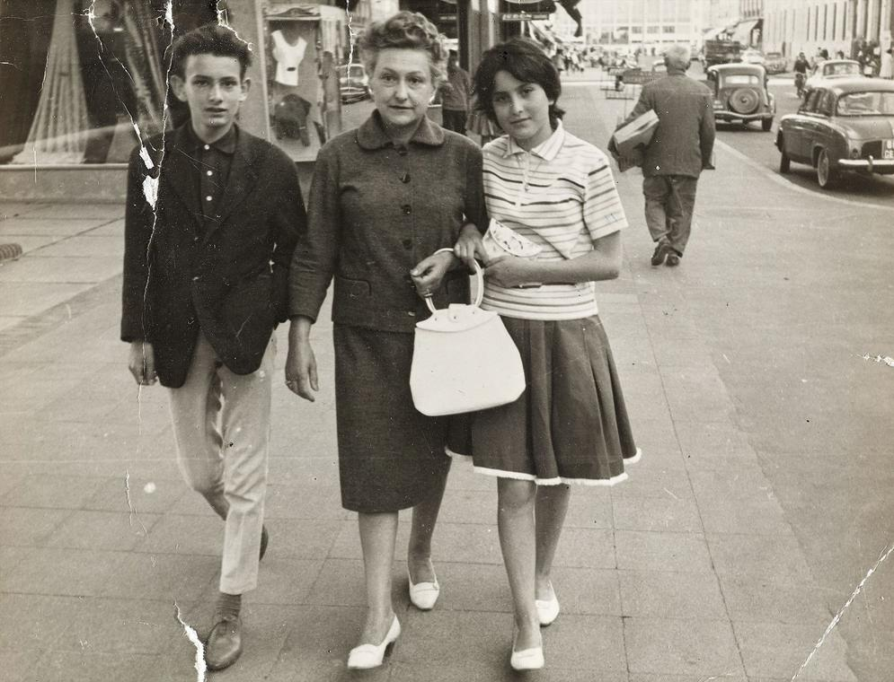 Une promenade avenue de la République, vers 1960.