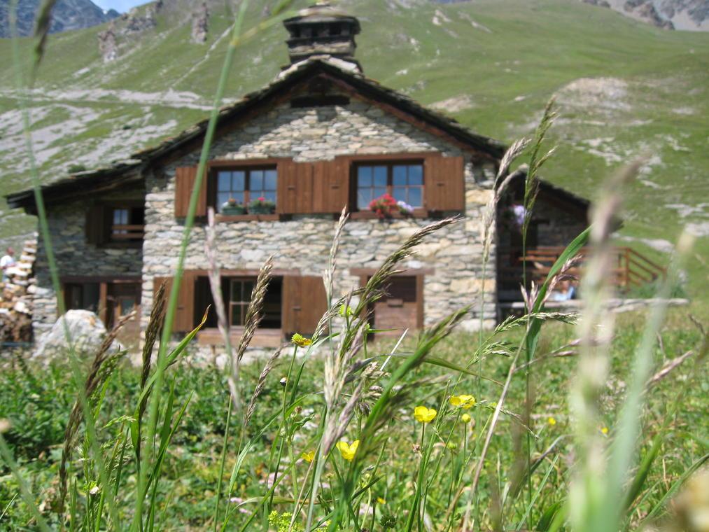 val-cenis-lanslevillard-refuge-vallonbrun