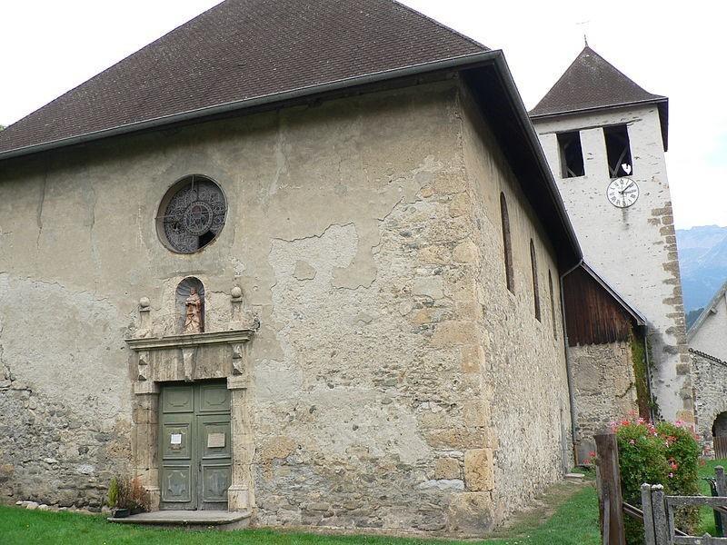 19717-eglise-saint-etienne-de-laval-0.jpg