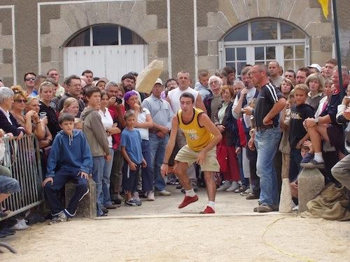 Championnat du monde de lancer de menhir - Guerlesquin