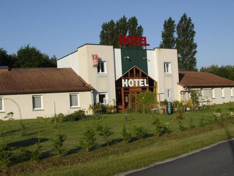 (8)hotel-le-chene-gievres©CDT41-hotellechene