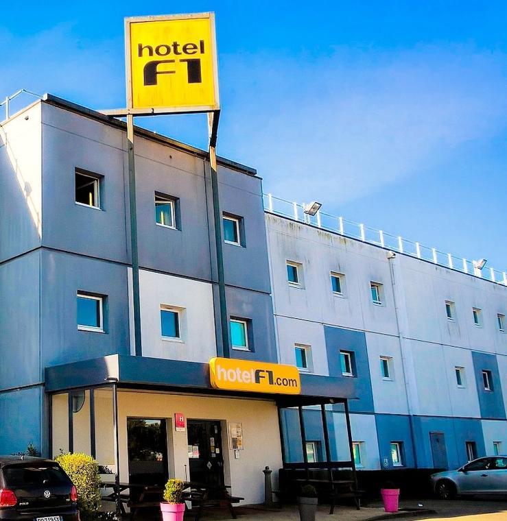 HOT44-Hotel-F1