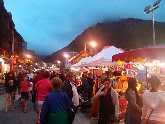 marché-de-nuit-village