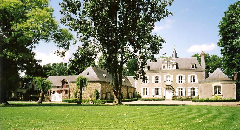chateau-de-la-montchevalleraie-aviré-49-pcu