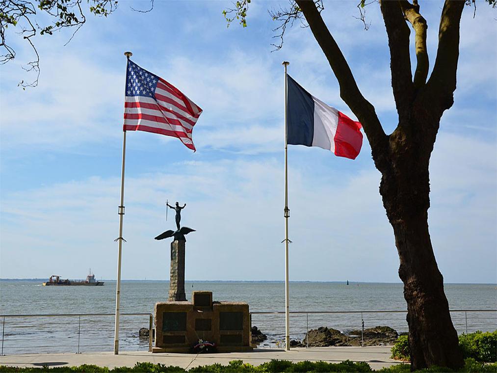 PCU44-monument-américain