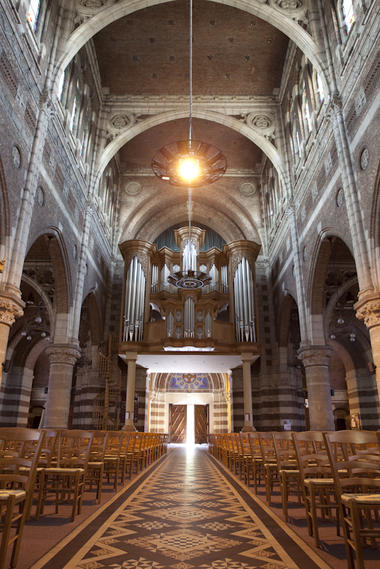 Entrée et orgue de l'Église Saint-Vaast de Béthune © Brigitte Baudesson