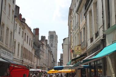 Chalon-sur-Saone-rue-pietonnes-centre-ville-commerces-OT (47).jpg