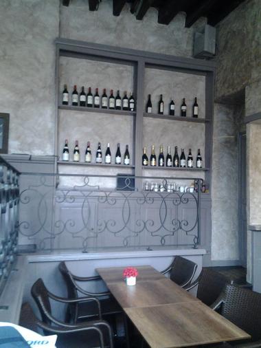 Le Cercle - Valenciennes -  Restaurant - Décor Bouteille - 2018.jpg
