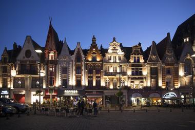 Les façades Art déco de Béthune, de nuit © Brigitte Baudesson