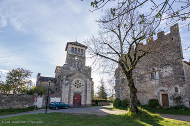 Vestiges du château d'Aujols--© Lot Tourisme C. Novello.jpg