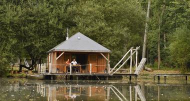 Cabane sur l'eau - Le Bois à Forcé - CP P.Beltrami - Mayenne Tourisme (20).JPG