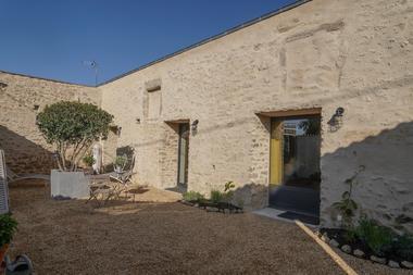chambroutet-chambres-dhotes-la-belle-lurette-terrasse.jpg