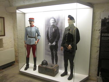 2 destins en guerre Renard et Sabran - Copie.JPG