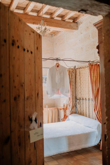 Domaine-du-petit-mylord-mariage-chambre..jpg