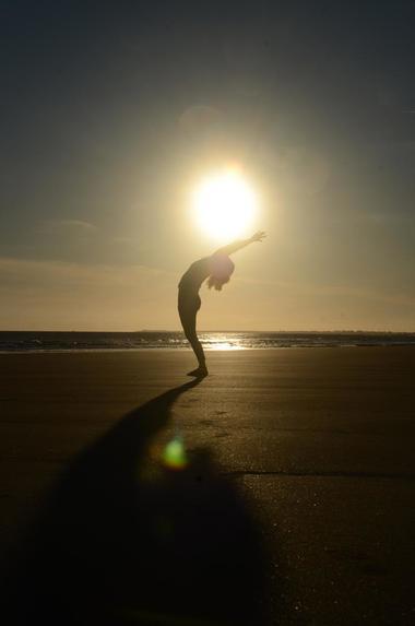 yoga a la plage - ile de re (2).jpg