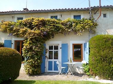 Moncoutant-La Bodinière1-façade-sit.jpg