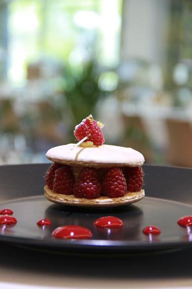 5 - Dessert - Sablé framboise - Restaurant - 06 05 2015.JPG