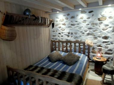 moulins-chambres-dhotes-fleur-de-lys-vikings.jpg