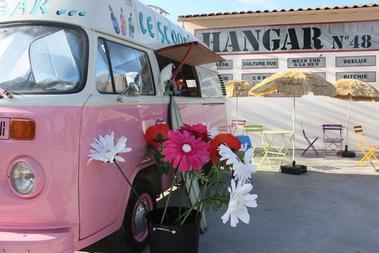 hangar48-iledere-scoobybar-fleurs.jpg