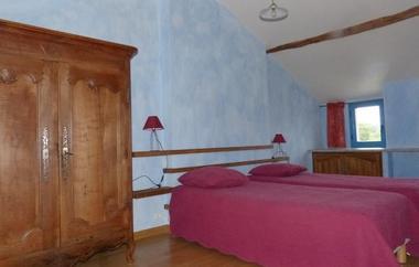 saint-amand-sur-sevre-gite-les-ecorcins-chambre3.jpg
