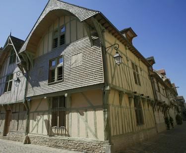 Maison du Dauphin©D Le Névé Troyes