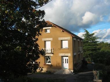 location_la_roche_posay_2_étoiles_Brouillard_Isabelle_extérieur.JPG