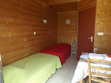 regueil-chalet double-chambre1-sit.jpg