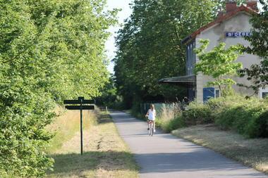 Givry-Voie-verte-Cyclotourisme-ete-OT (33).JPG