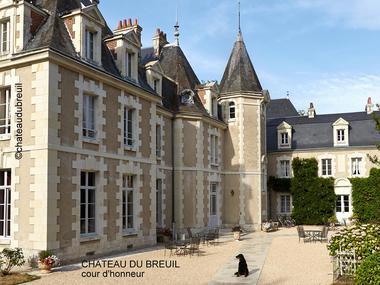 Chateau-du-Breuil---Cour-d'honneur.jpg