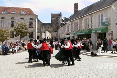 festival_folklore_baladins_des_2_eaux_La_Roche_Posay (3).JPG
