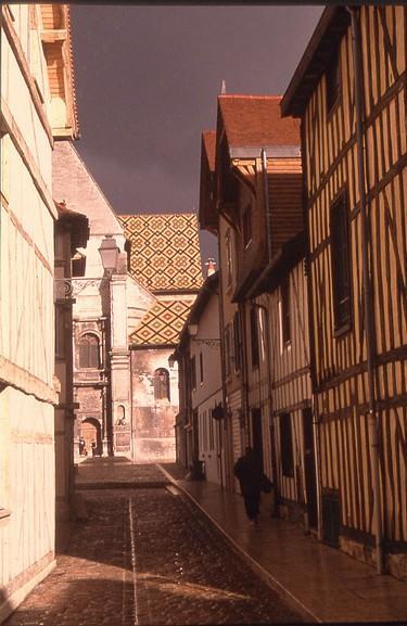 Exterieur St Nizier vue de la rue Mérat.