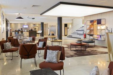 Hotel Mercure Reception.jpg