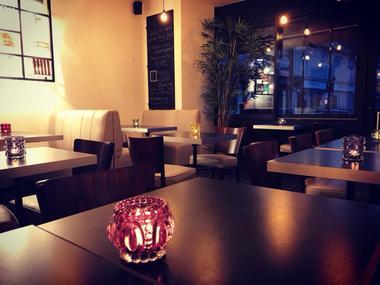 Luneray - Le 18 Bar à Vins intérieur.jpg