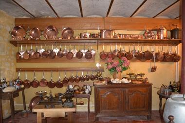 Cuisine-Chateau-Montpoupon.JPG