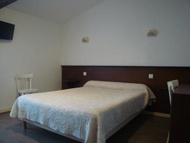 chambre-2eme-etage-hotel-saint-martin-de-re.jpg