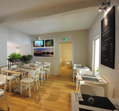 Monument Cafe 9 Monument Café - DNC (c) Léonard de Serres (14).jpg
