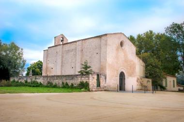 Chapelle Saujan Beaucaire.jpg