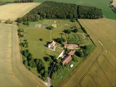 Chateau_de_la_brosse_Vicq_sur_Gartempe.jpg
