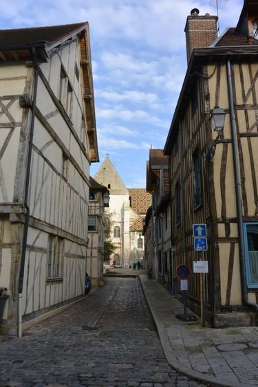 (c) Kty CB Troyes