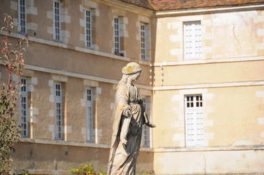 Bâtiments monastiques de la Maison-Dieu - Montmorillon ©Béatrice Guyonnet (1).JPG