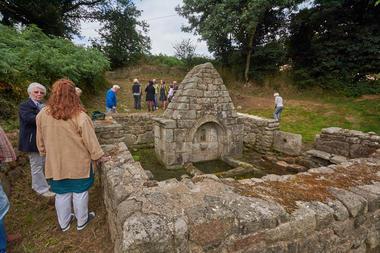 Fontaine de Kerlénat.jpg
